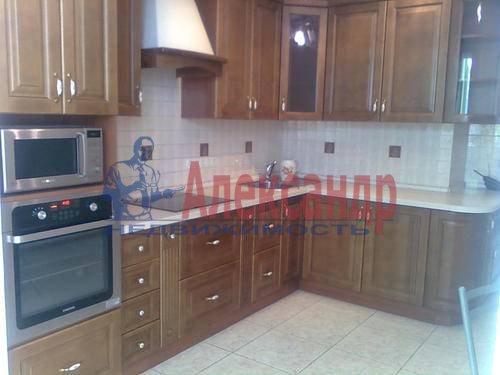 1-комнатная квартира (45м2) в аренду по адресу Композиторов ул., 18— фото 5 из 8