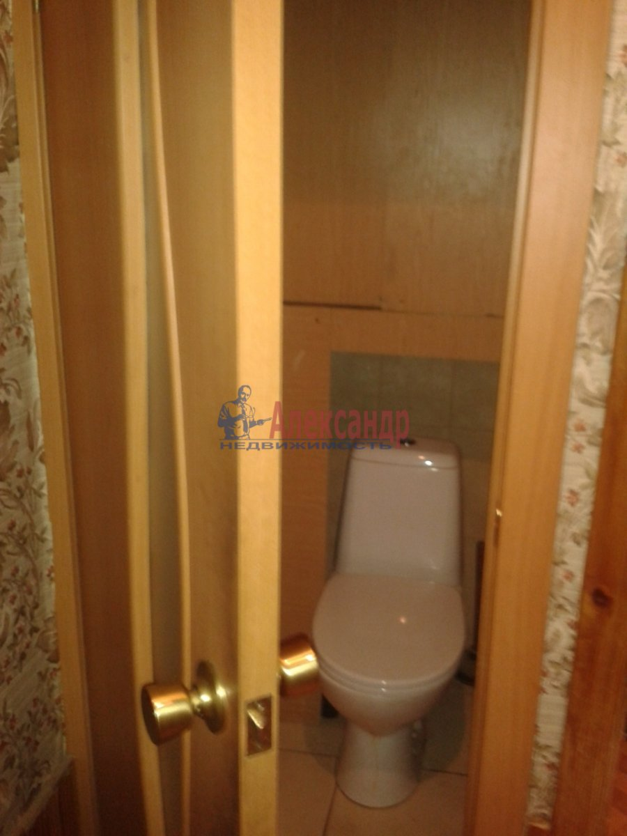 Комната в 4-комнатной квартире (74м2) в аренду по адресу Энгельса пр., 130— фото 7 из 7