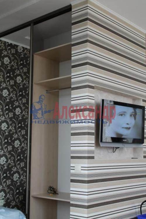 1-комнатная квартира (43м2) в аренду по адресу Кронштадтская ул., 13— фото 1 из 8