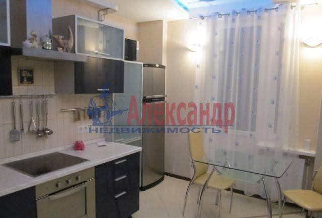 2-комнатная квартира (66м2) в аренду по адресу Энгельса пр., 97— фото 1 из 8