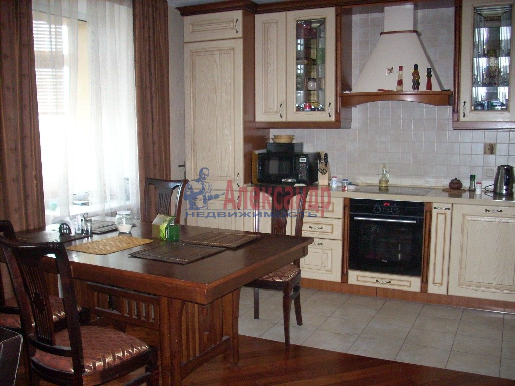 1-комнатная квартира (35м2) в аренду по адресу Полярников ул., 5— фото 1 из 3