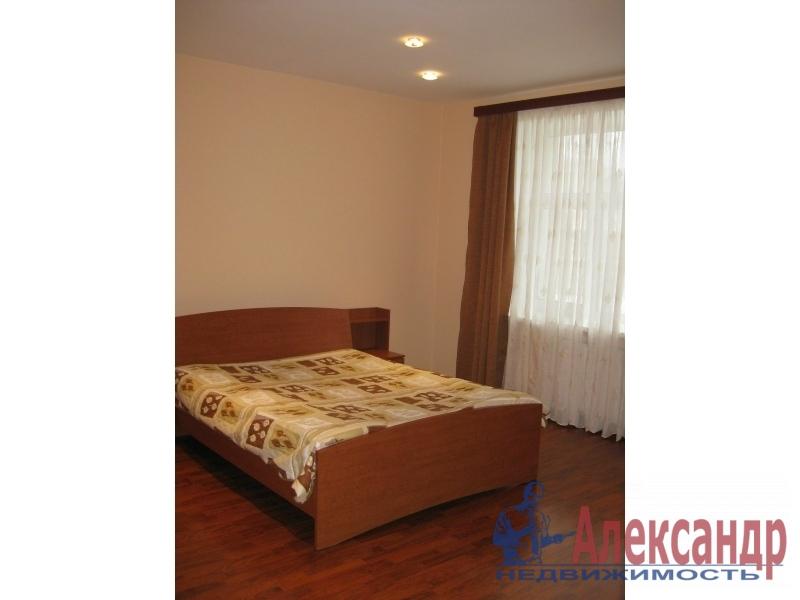 Комната в 2-комнатной квартире (36м2) в аренду по адресу Дыбенко ул., 27— фото 2 из 2