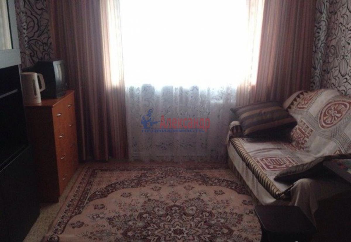Комната в 3-комнатной квартире (76м2) в аренду по адресу Маршала Казакова ул., 10— фото 1 из 4