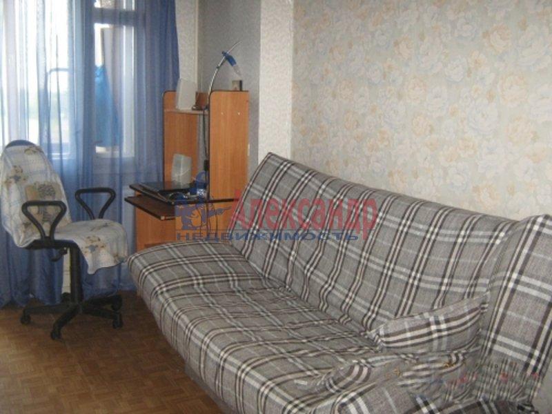 2-комнатная квартира (53м2) в аренду по адресу Обуховской Обороны пр., 142— фото 4 из 5