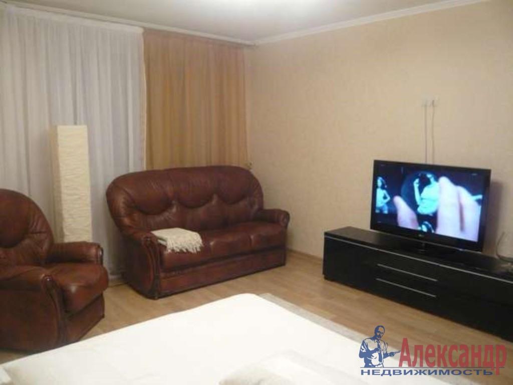 1-комнатная квартира (52м2) в аренду по адресу Бухарестская ул., 96— фото 1 из 3