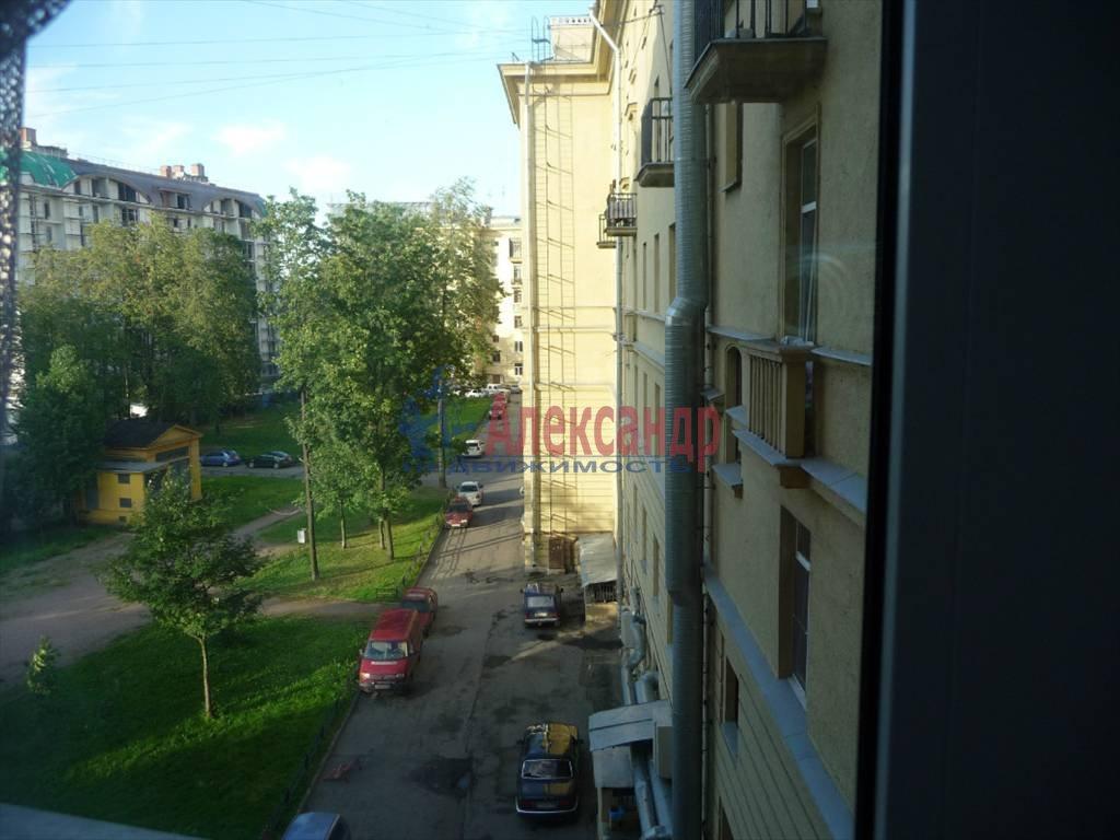 2-комнатная квартира (64м2) в аренду по адресу Большой пр.— фото 9 из 9