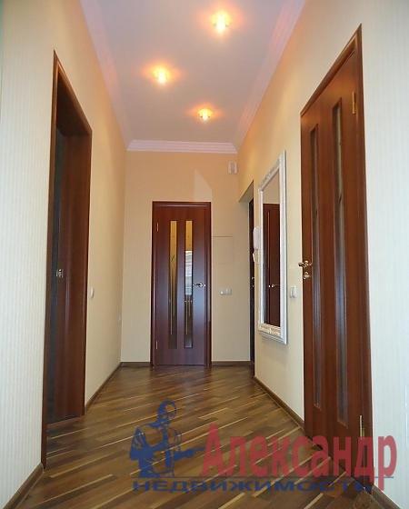 2-комнатная квартира (65м2) в аренду по адресу Декабристов ул., 49— фото 3 из 4