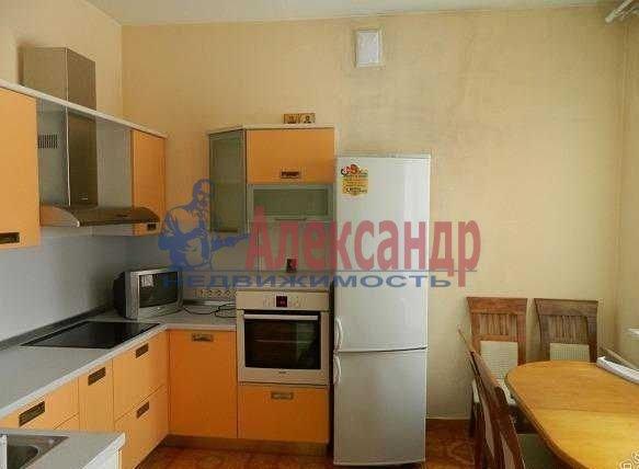 2-комнатная квартира (70м2) в аренду по адресу Энтузиастов пр., 38— фото 1 из 5
