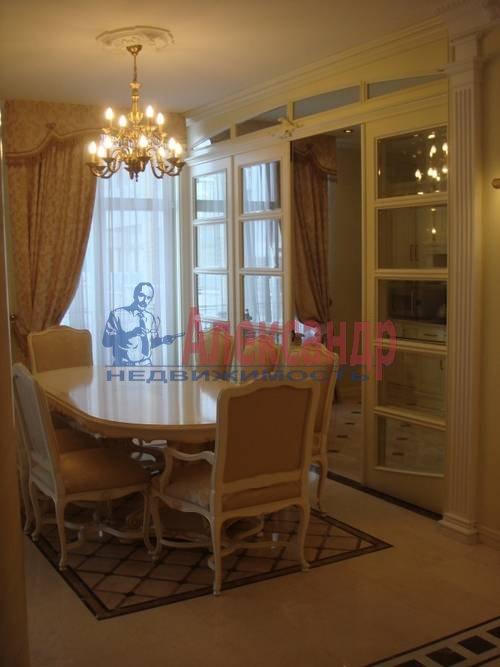 3-комнатная квартира (90м2) в аренду по адресу Пироговская наб.— фото 3 из 5