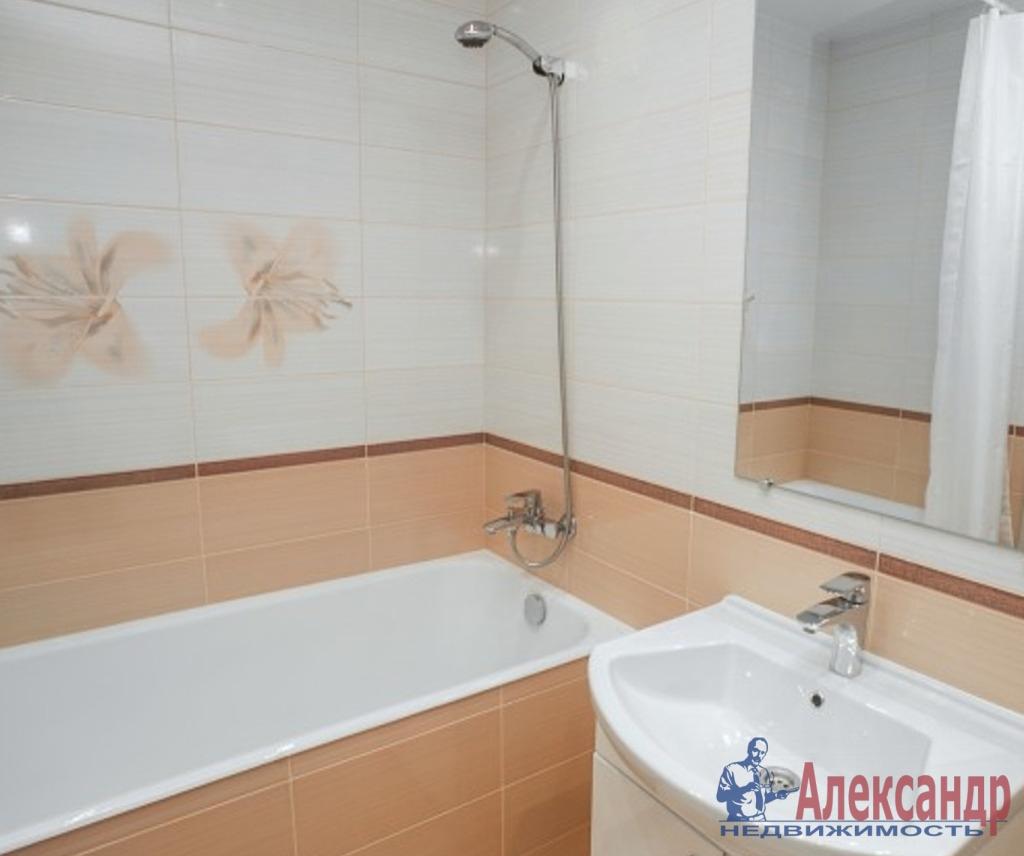 1-комнатная квартира (50м2) в аренду по адресу Оптиков ул., 38— фото 4 из 4