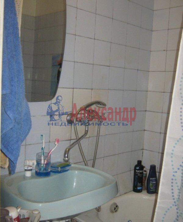 2-комнатная квартира (53м2) в аренду по адресу Обуховской Обороны пр., 142— фото 5 из 6