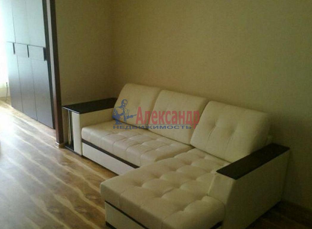 2-комнатная квартира (65м2) в аренду по адресу Мурино пос., Менделеева бул., 7— фото 1 из 3