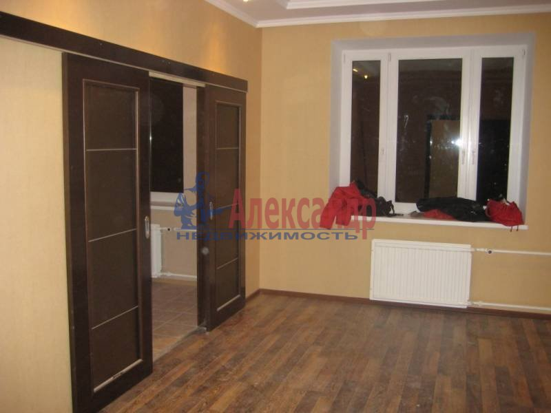 2-комнатная квартира (60м2) в аренду по адресу Коломяжский пр., 28— фото 1 из 6