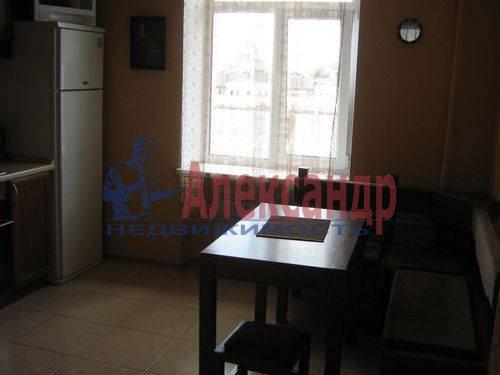 2-комнатная квартира (70м2) в аренду по адресу Севастьянова ул., 14— фото 9 из 11