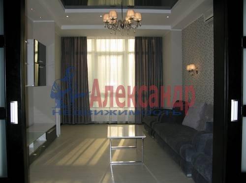 2-комнатная квартира (75м2) в аренду по адресу Новгородская ул., 23— фото 11 из 16