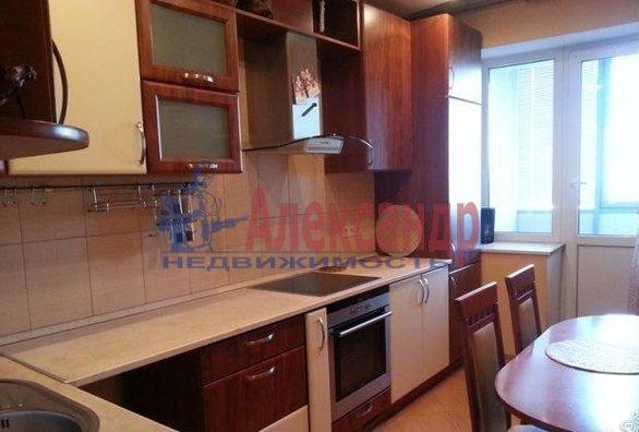 2-комнатная квартира (65м2) в аренду по адресу Матроса Железняка ул., 57— фото 1 из 6
