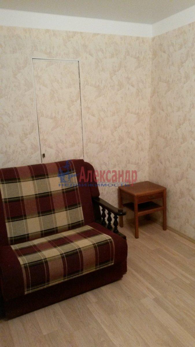 2-комнатная квартира (47м2) в аренду по адресу Новоизмайловский просп., 1— фото 2 из 7