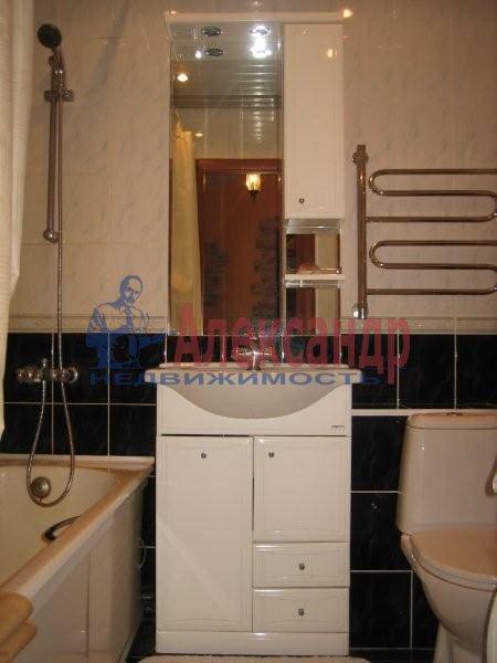 1-комнатная квартира (42м2) в аренду по адресу Просвещения пр., 99— фото 2 из 3