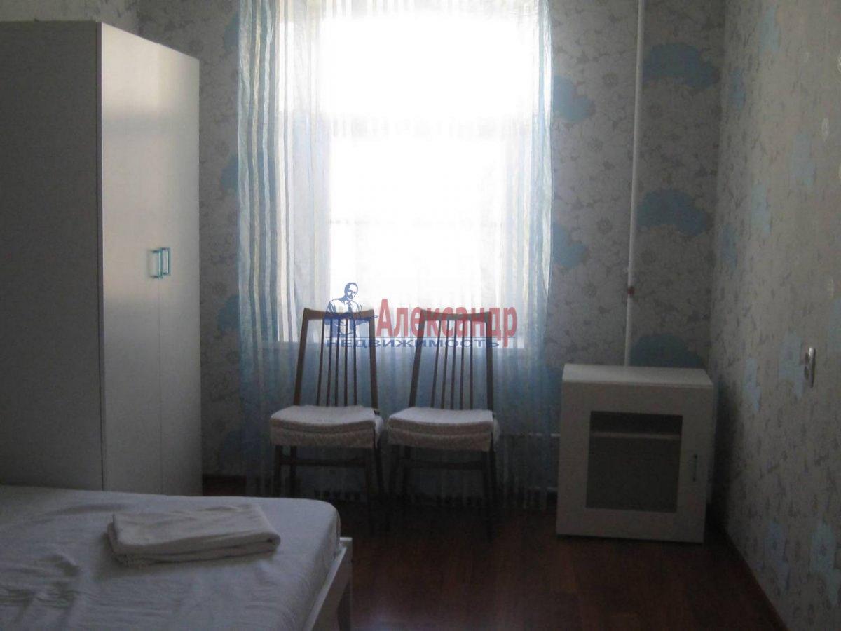 2-комнатная квартира (50м2) в аренду по адресу Фурштатская ул., 44— фото 2 из 8