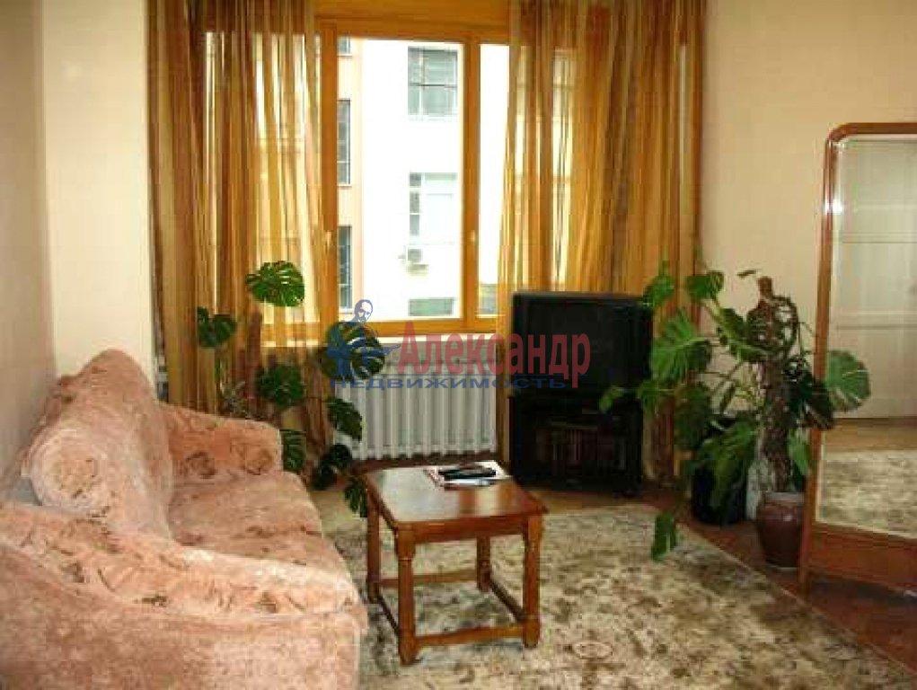 1-комнатная квартира (45м2) в аренду по адресу Композиторов ул., 18— фото 1 из 1