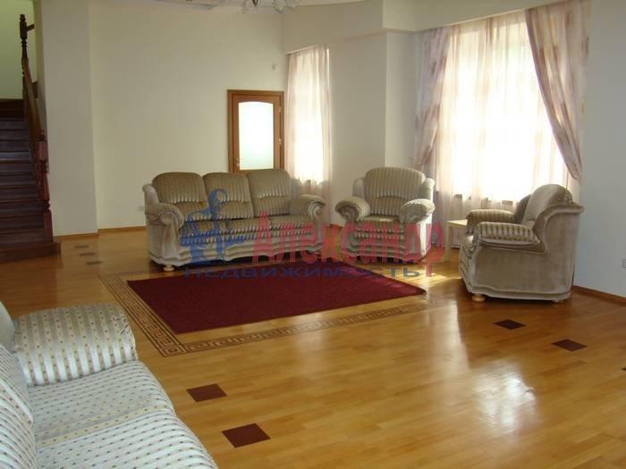 5-комнатная квартира (220м2) в аренду по адресу Крестовский пр., 4— фото 2 из 7