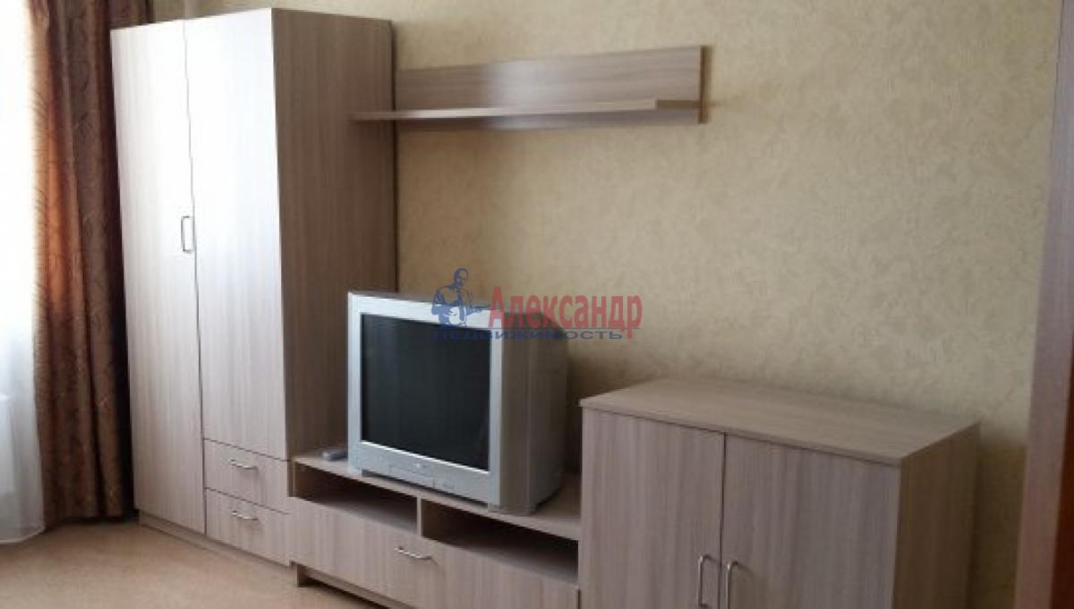 1-комнатная квартира (38м2) в аренду по адресу Маринеско ул., 4— фото 2 из 5