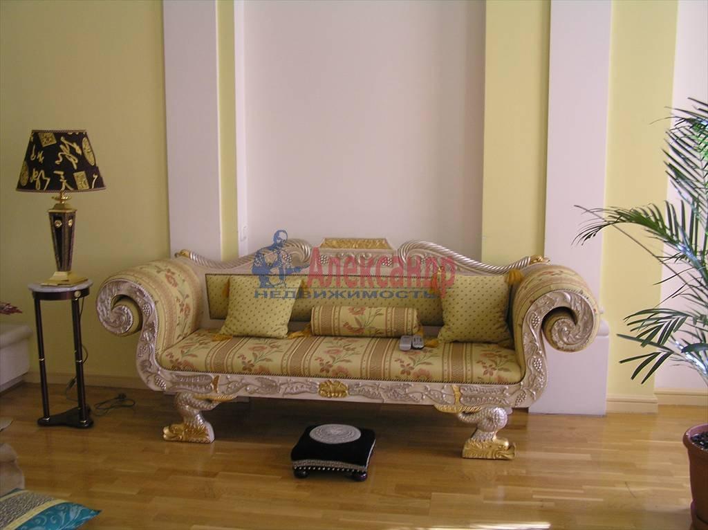 4-комнатная квартира (170м2) в аренду по адресу Невский пр., 88— фото 2 из 4