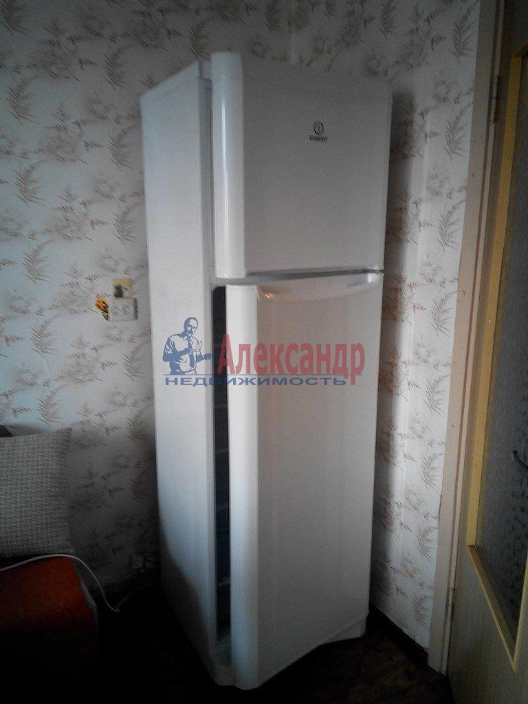 1-комнатная квартира (40м2) в аренду по адресу Лизы Чайкиной ул., 22— фото 1 из 4