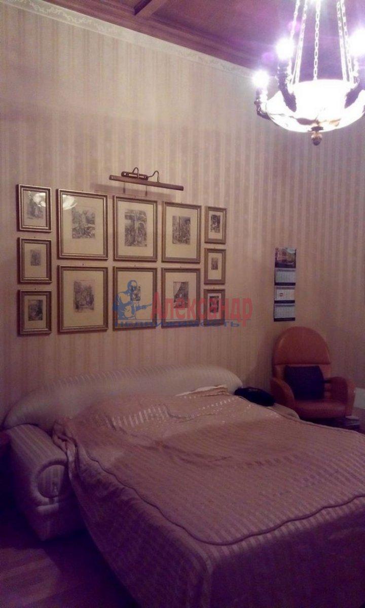 4-комнатная квартира (220м2) в аренду по адресу Кронверкский пр., 61/28— фото 10 из 13