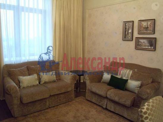 2-комнатная квартира (80м2) в аренду по адресу Вязовая ул., 10— фото 2 из 11