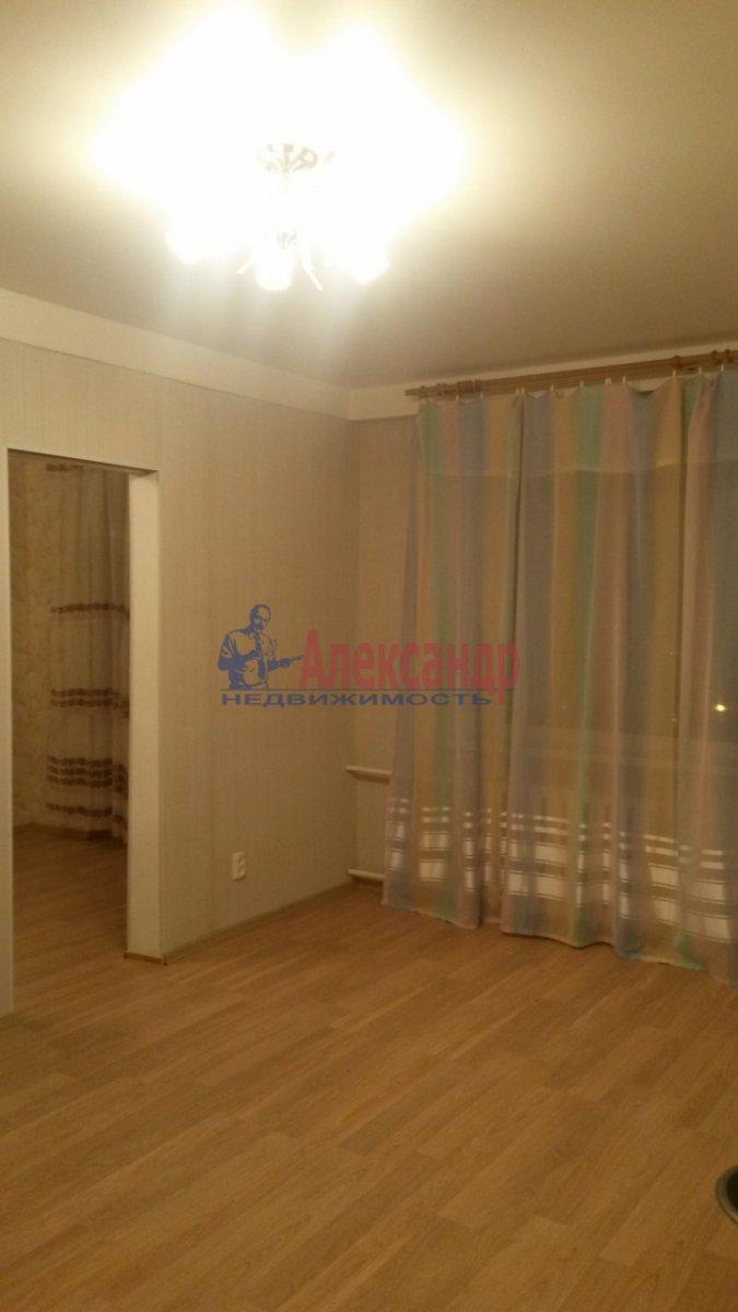 2-комнатная квартира (47м2) в аренду по адресу Новоизмайловский просп., 1— фото 3 из 7