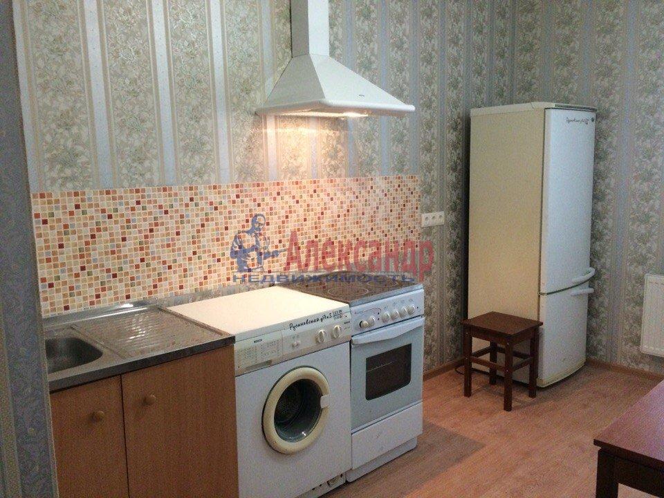 1-комнатная квартира (40м2) в аренду по адресу Русановская ул., 17— фото 1 из 7