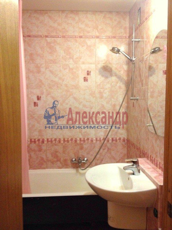 1-комнатная квартира (38м2) в аренду по адресу Доблести ул., 28— фото 5 из 11