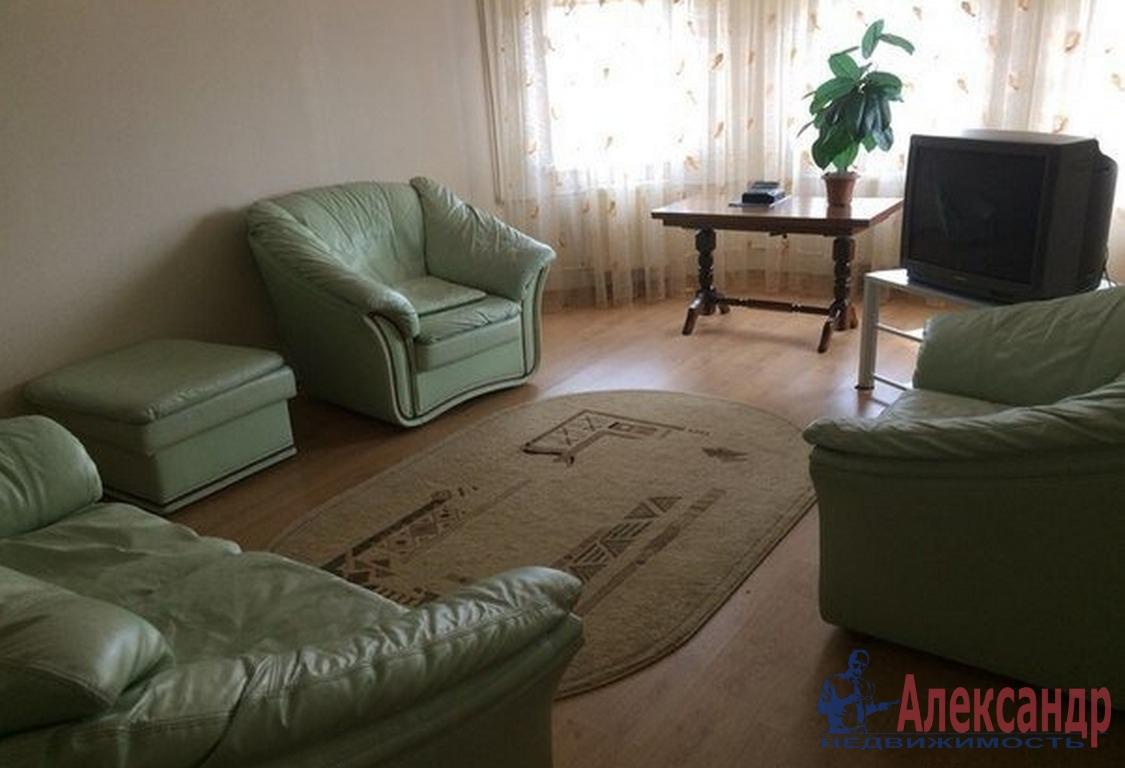 2-комнатная квартира (65м2) в аренду по адресу Коломяжский пр., 15— фото 1 из 3