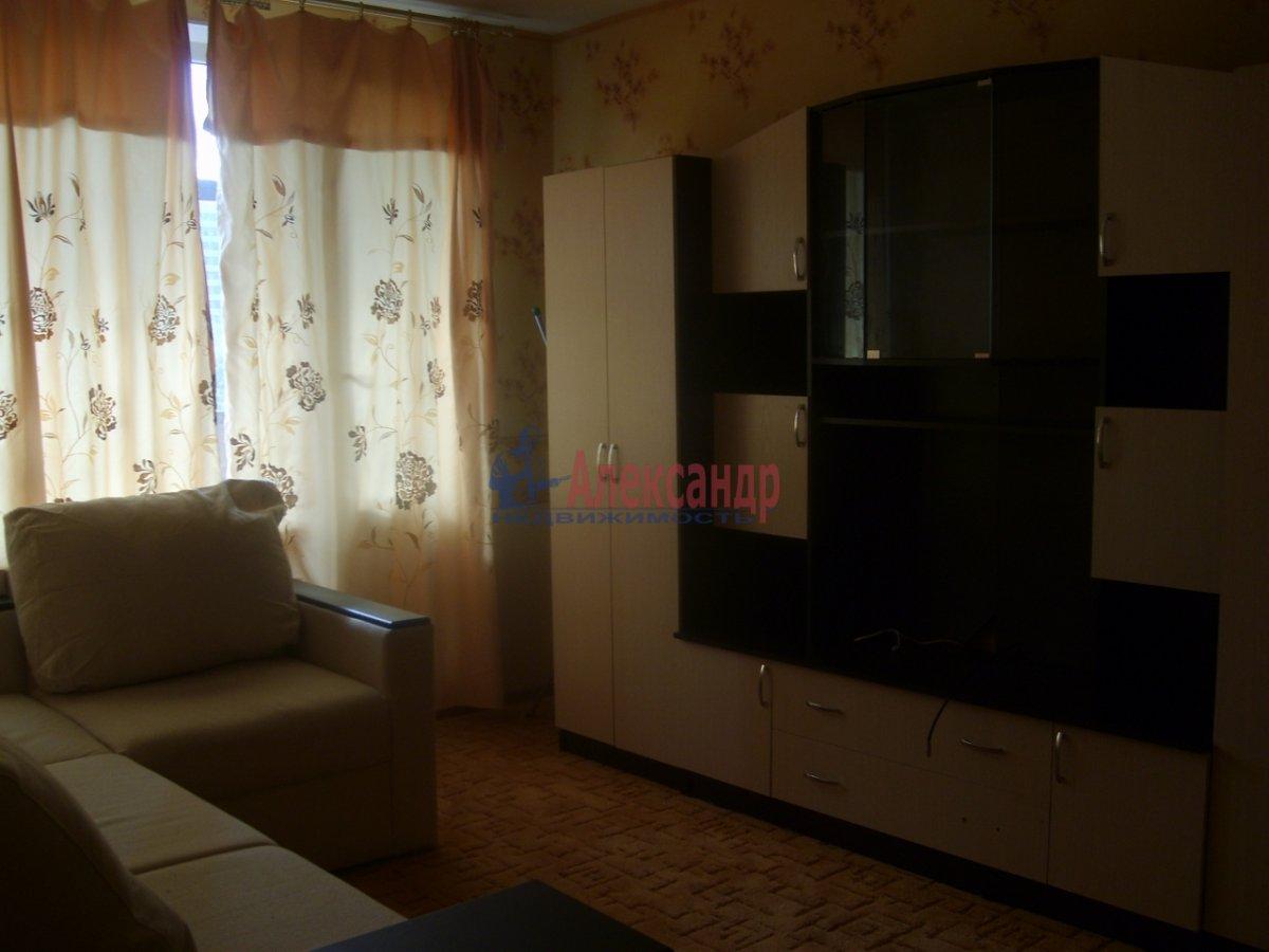 1-комнатная квартира (36м2) в аренду по адресу Звездная ул., 8— фото 3 из 5