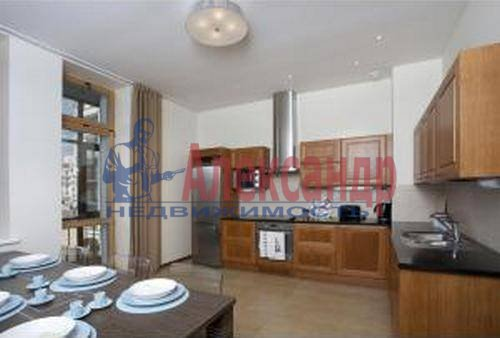 3-комнатная квартира (89м2) в аренду по адресу Морской пр., 33— фото 2 из 9