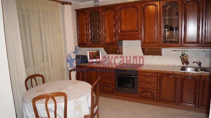 3-комнатная квартира (100м2) в аренду по адресу Парашютная ул., 19— фото 1 из 10