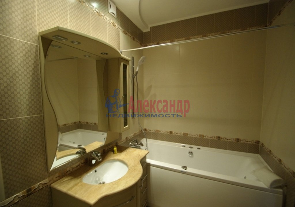 1-комнатная квартира (49м2) в аренду по адресу Полтавский пр-зд., 2— фото 3 из 3