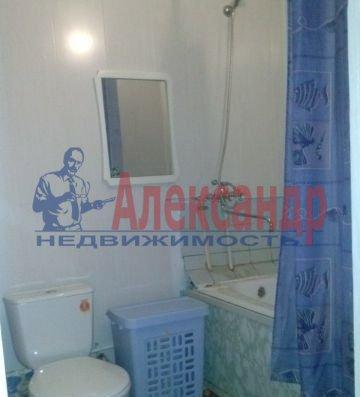 1-комнатная квартира (36м2) в аренду по адресу Раевского пр., 15— фото 3 из 3