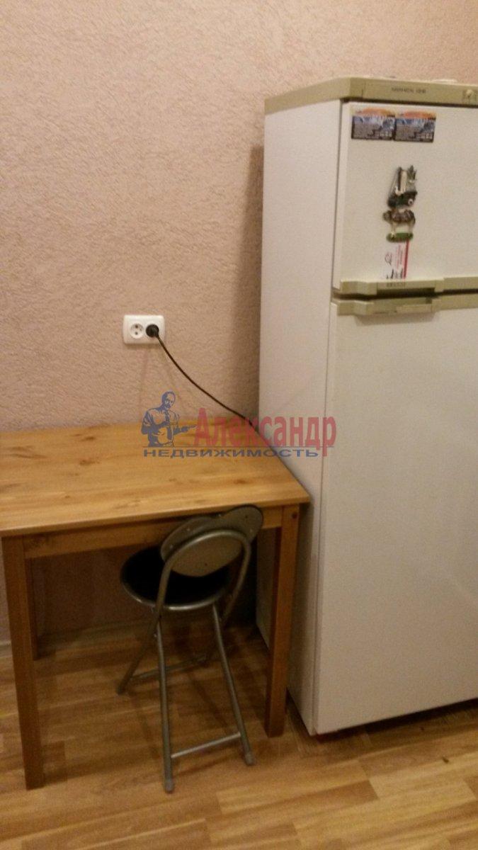 2-комнатная квартира (47м2) в аренду по адресу Новоизмайловский просп., 1— фото 4 из 7