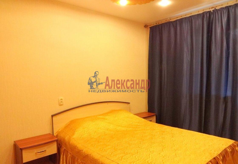 2-комнатная квартира (44м2) в аренду по адресу Типанова ул., 36— фото 2 из 4