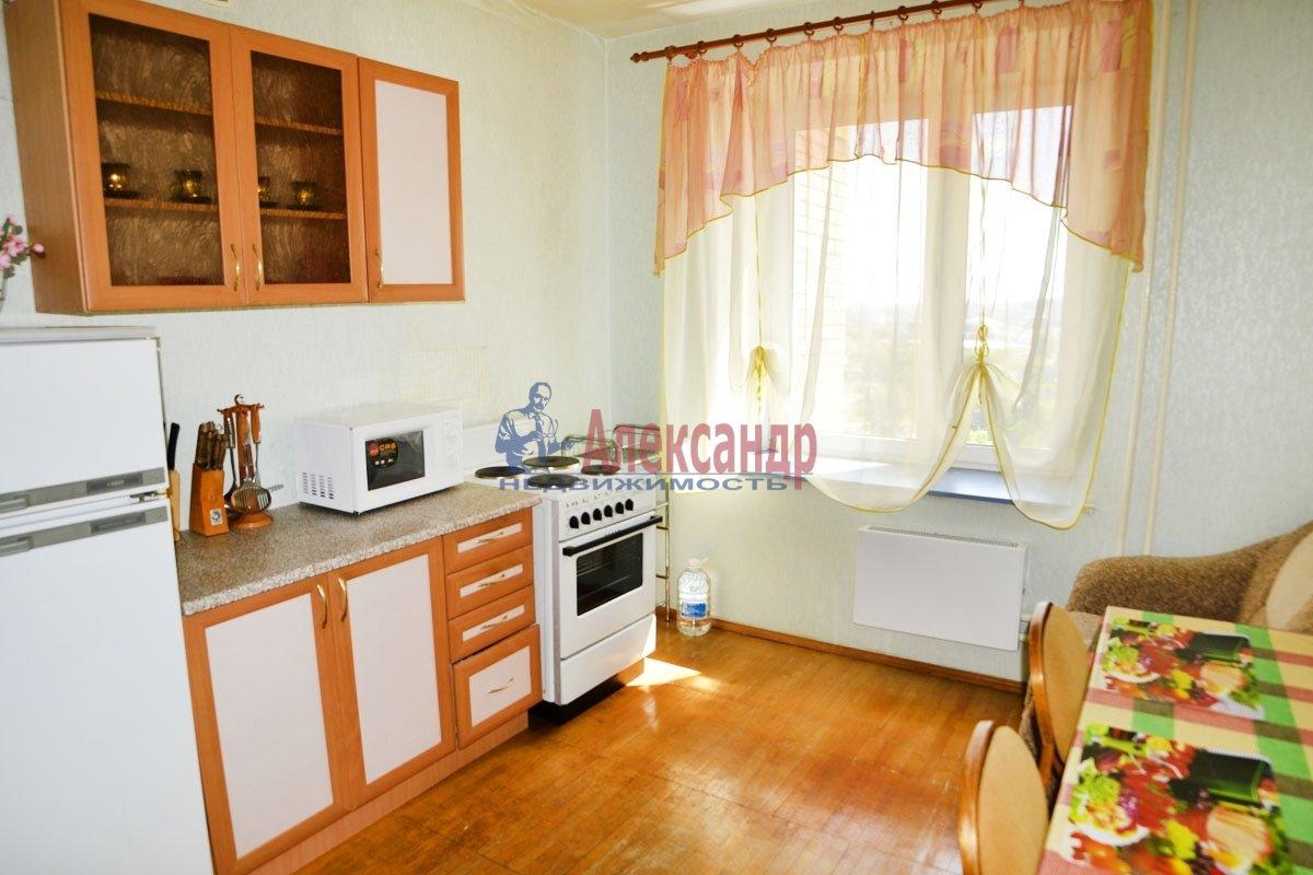 2-комнатная квартира (65м2) в аренду по адресу Десятинный пер., 1— фото 2 из 2