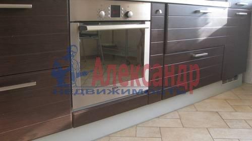 2-комнатная квартира (70м2) в аренду по адресу Мытнинская ул., 2— фото 3 из 12