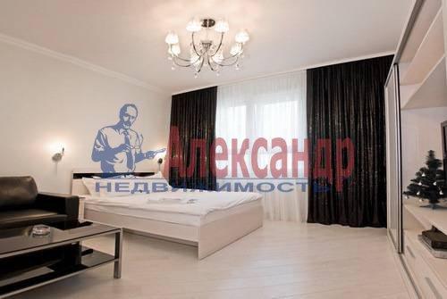 1-комнатная квартира (54м2) в аренду по адресу Всеволода Вишневского ул., 13— фото 3 из 8
