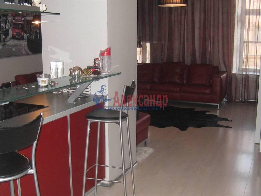 2-комнатная квартира (90м2) в аренду по адресу Миллионная ул., 32— фото 1 из 6