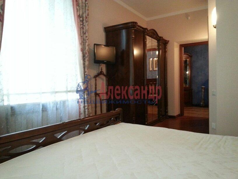 3-комнатная квартира (95м2) в аренду по адресу Черной Речки наб., 10— фото 10 из 16