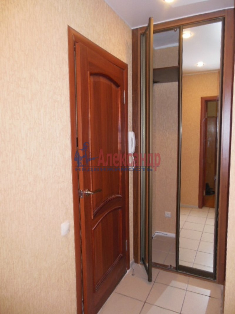 1-комнатная квартира (36м2) в аренду по адресу Десантников ул., 32— фото 4 из 8