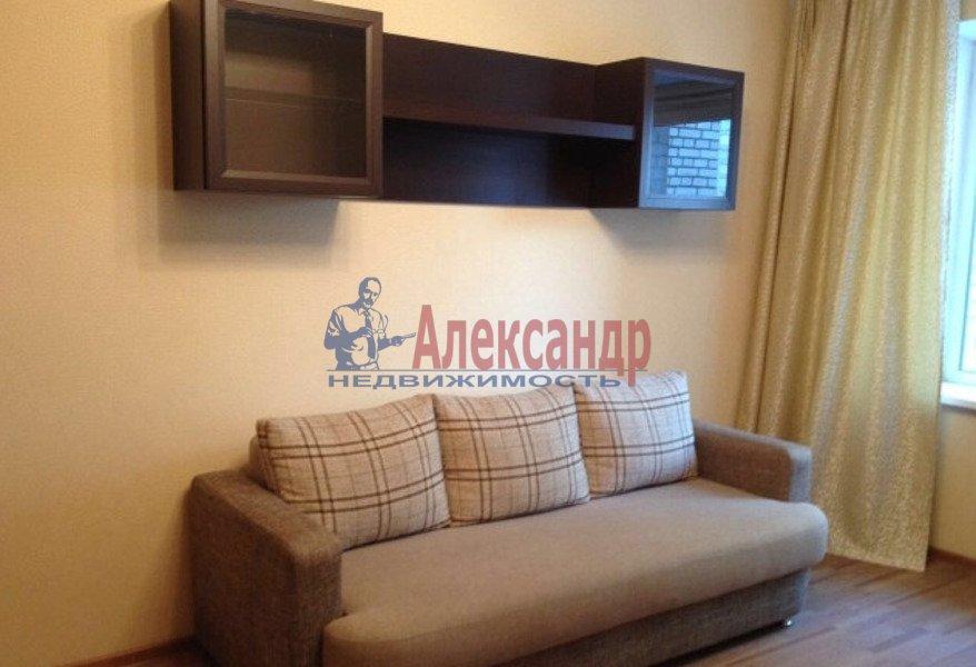 1-комнатная квартира (34м2) в аренду по адресу Бадаева ул.— фото 1 из 5