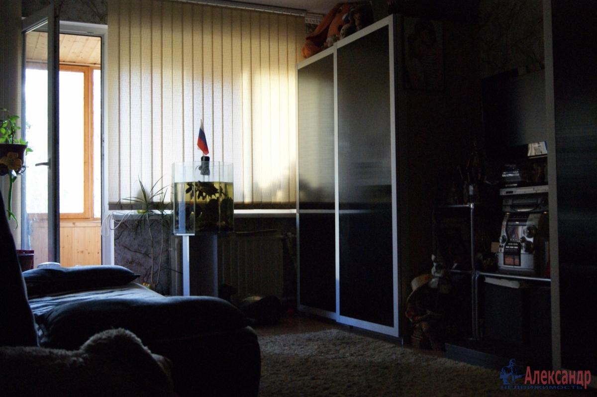 Комната в 2-комнатной квартире (33м2) в аренду по адресу Караваевская ул., 10— фото 1 из 2