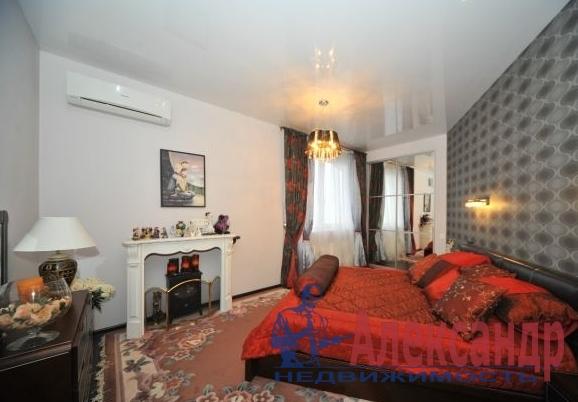 3-комнатная квартира (135м2) в аренду по адресу Оренбургская ул., 2— фото 2 из 4